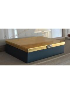 Boîte laquée bleu et or - La Galerie Equitable