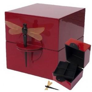 Boîte à bijoux laque rouge