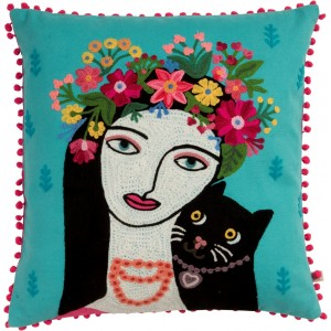Broderie la femme au chat noir